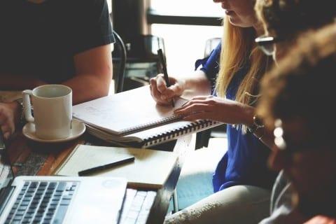 people working - MyBlogGuest members start receiving manual penalty notifications
